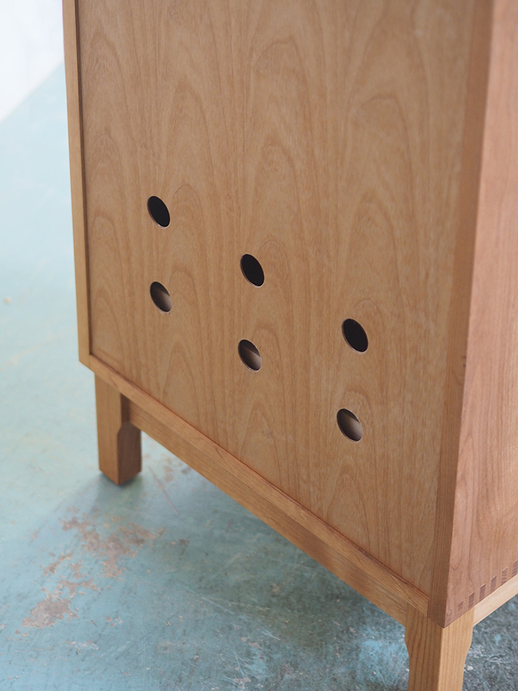 MUKUCAB 4 Drawers Chest