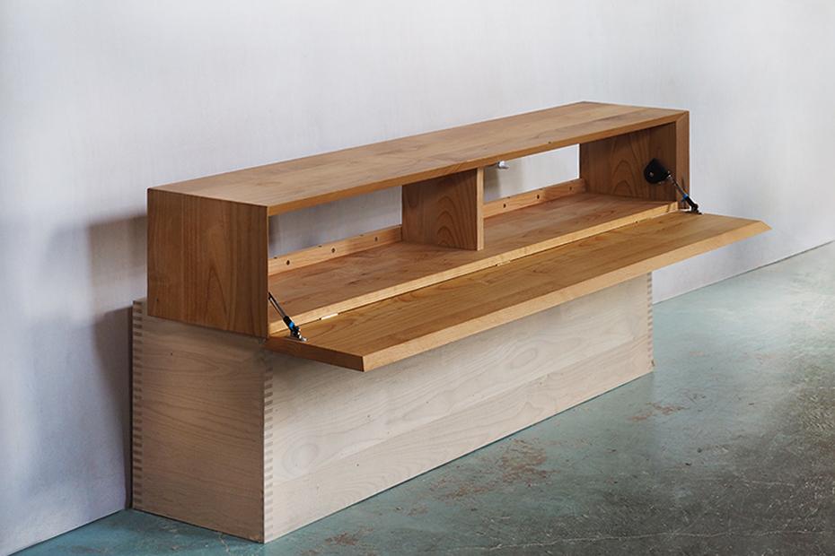 壁付け仕様のHAKOテレビボード