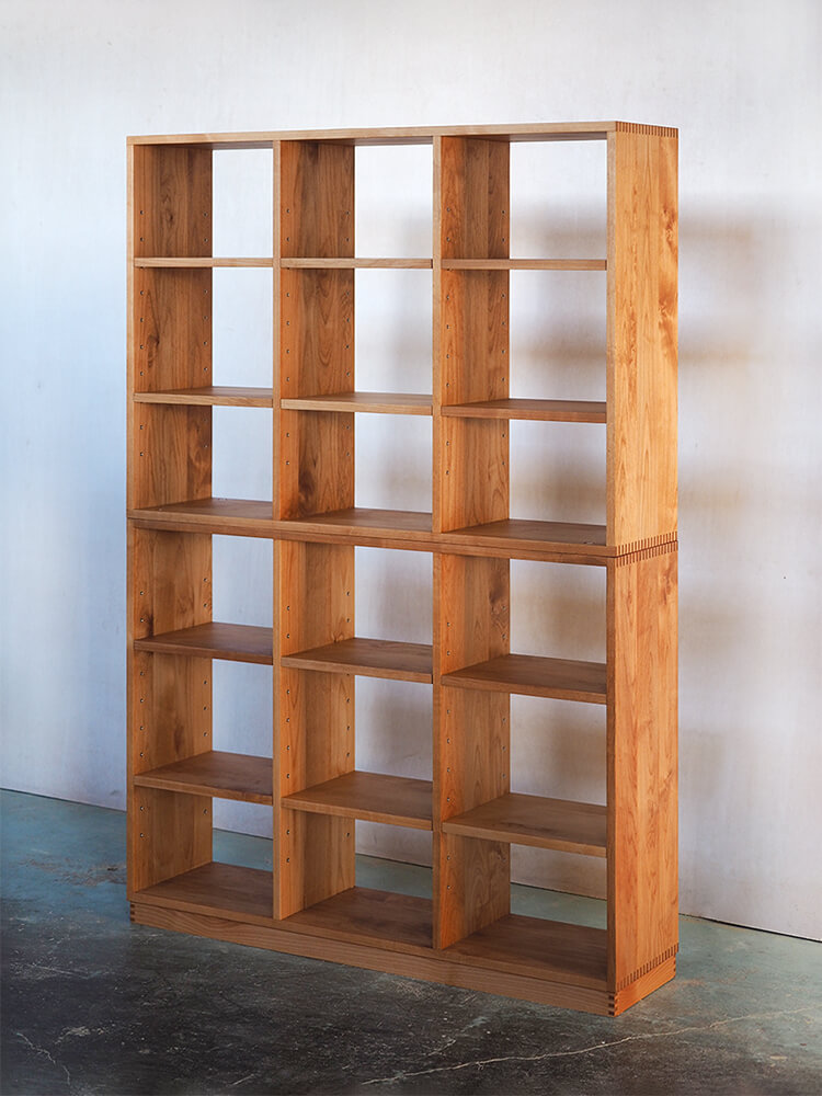 たくさん収納できる書棚