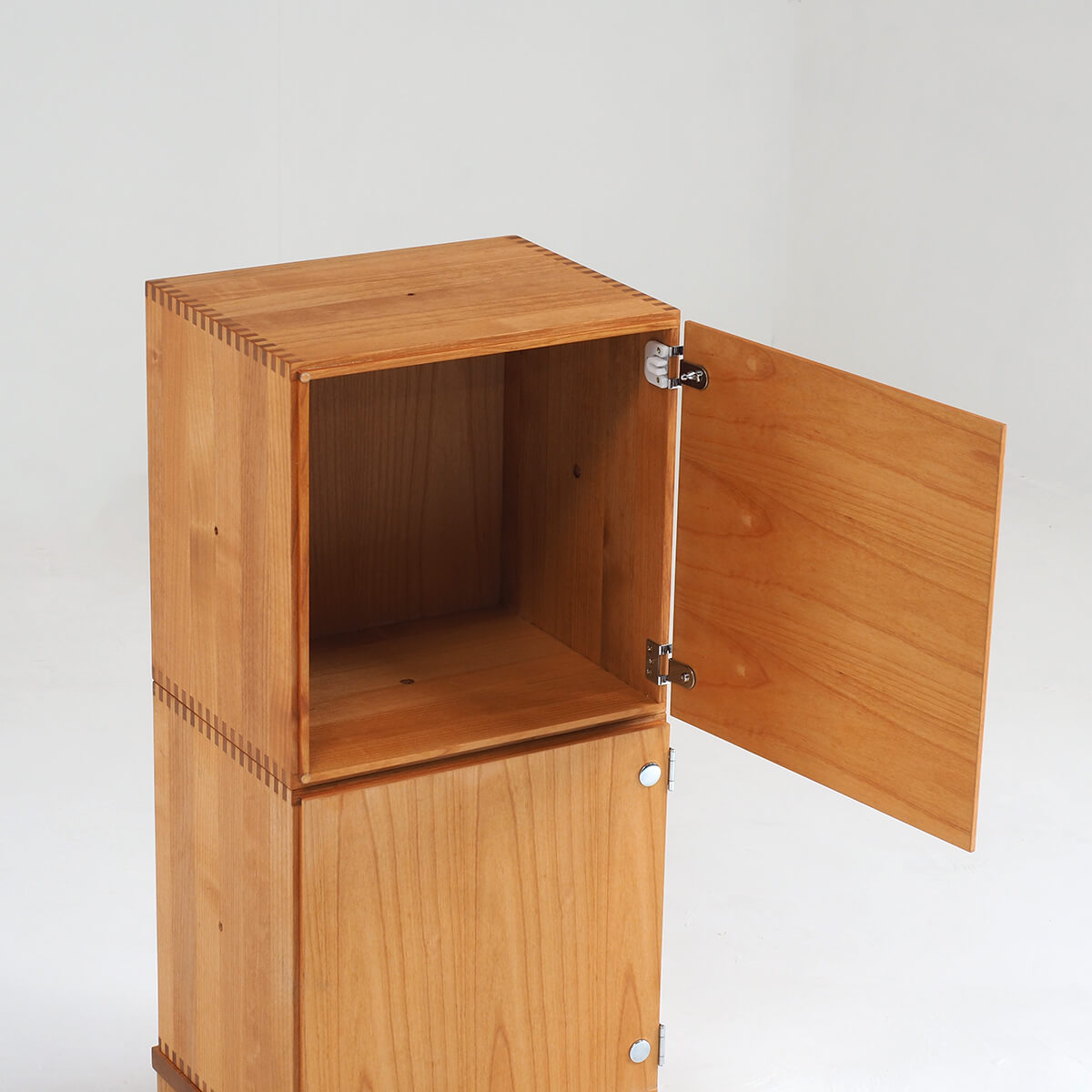 スタッキングキューブの組み合わせ-木扉2段