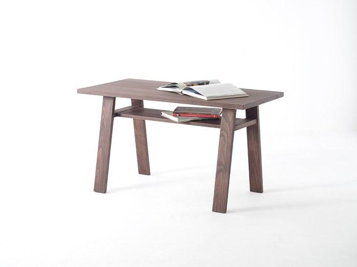 オイルウォールナット色仕上げのカフェテーブル
