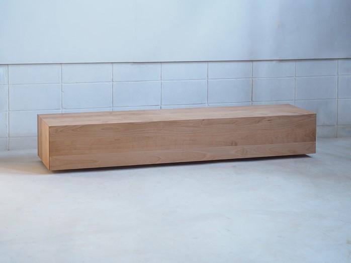 極限まで脚の存在を消したHAKOテレビボード