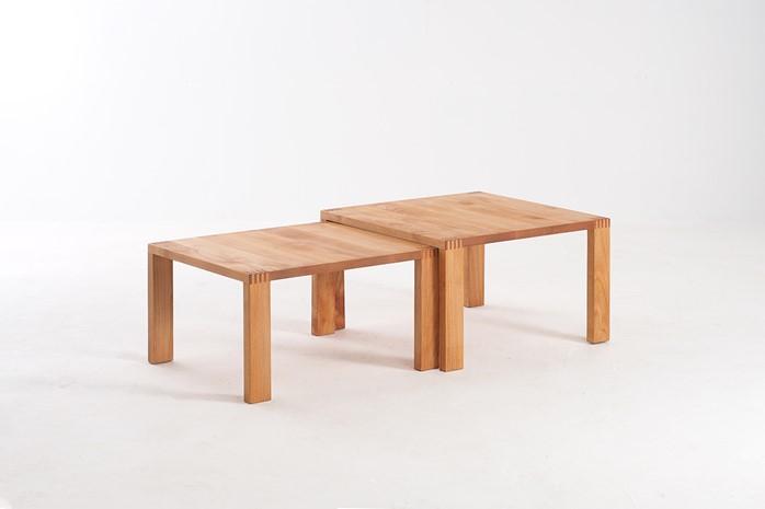 入れ子のリビングテーブル