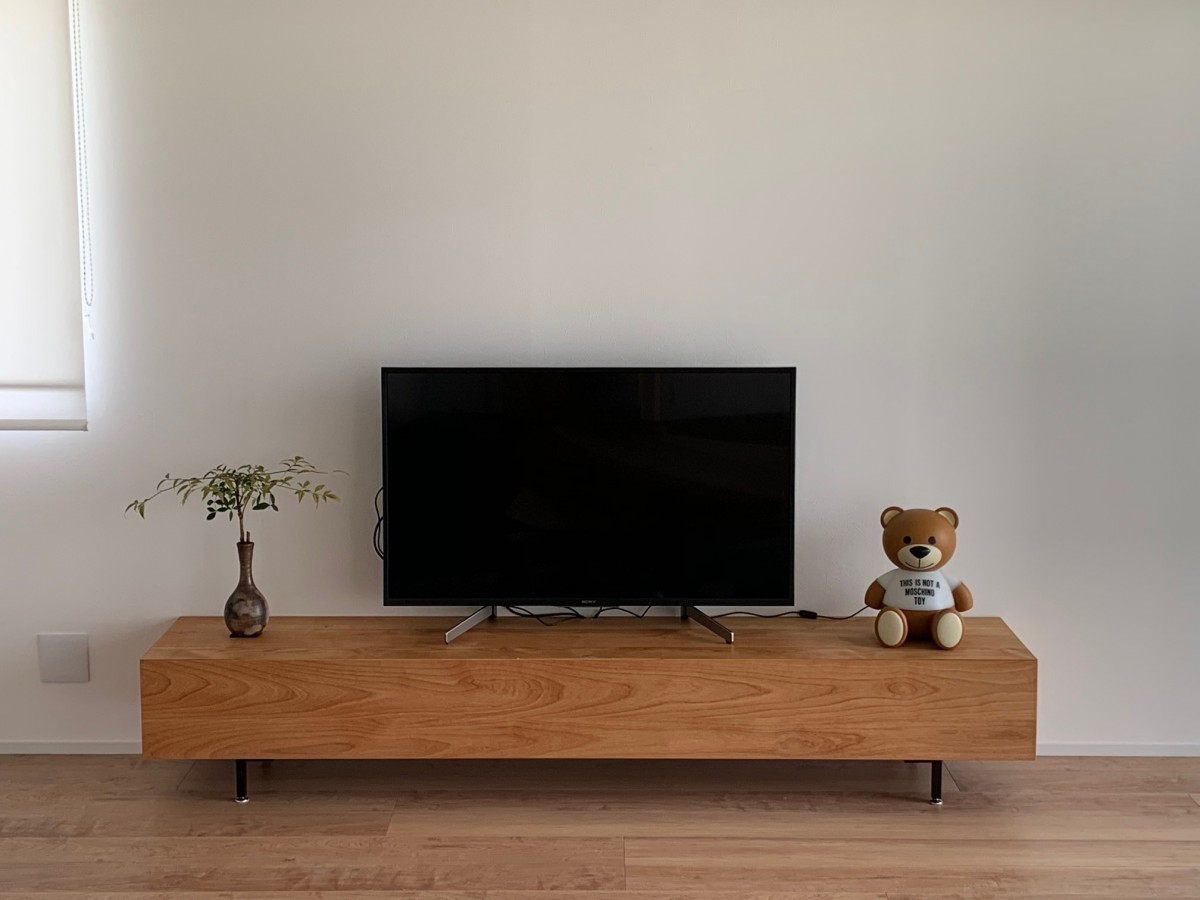 壁に寄せる気持ちよさ!HAKOテレビボード