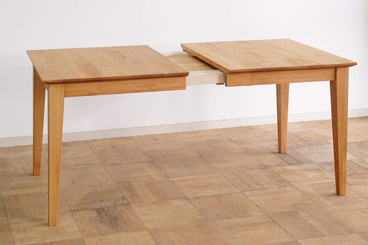 伸長式ダイニングテーブル