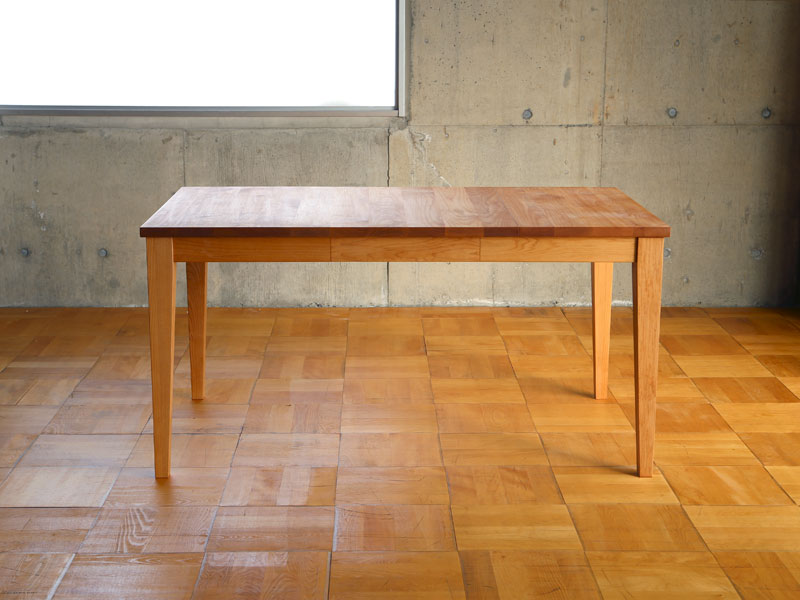 IXDTS バタフライダイニングテーブル