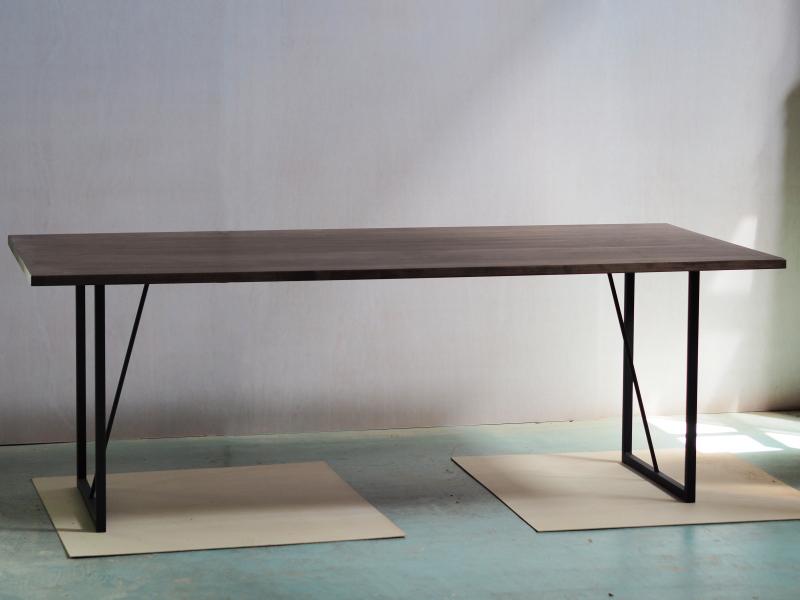 幅2mのIXDT-T1500テーブル