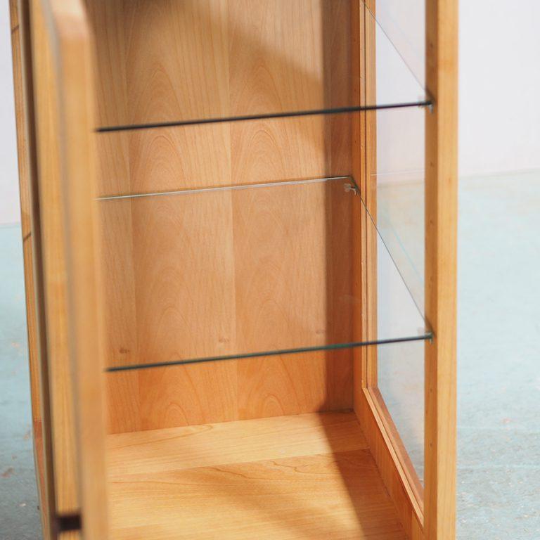 三面ガラスのキュリオケース